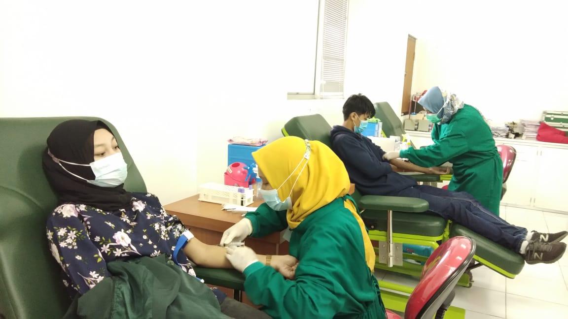 Skrining Covid-19 oleh Prodi Teknologi Bank Darah sebagai Evaluasi Pembelajaran Luring di Masa Pandemik